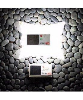 LuminAID lampe solaire
