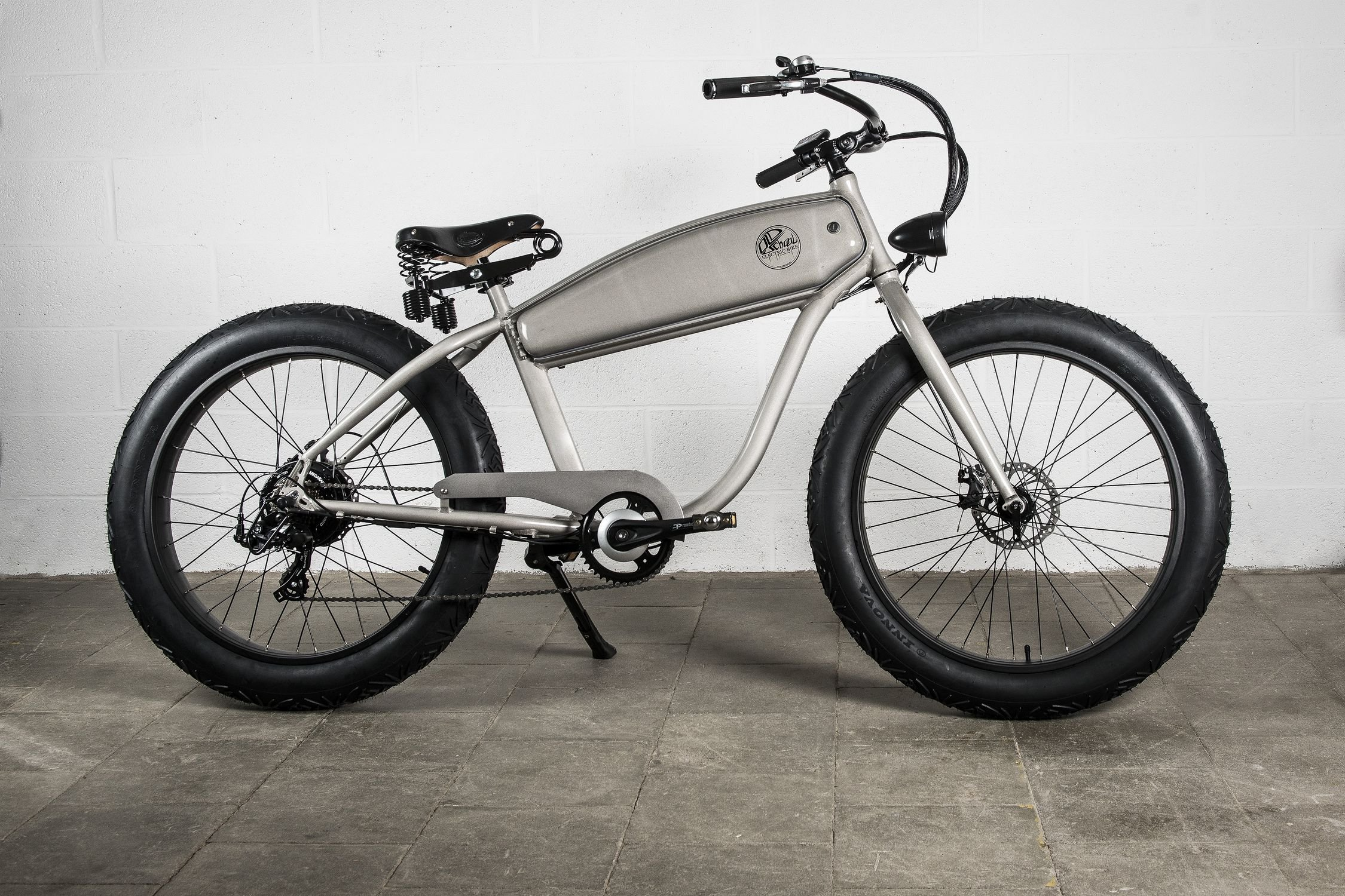 vtt electrique fat bike. Black Bedroom Furniture Sets. Home Design Ideas